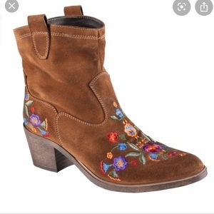 Aldo Limeira Congac Floral Western Ankle Bootie